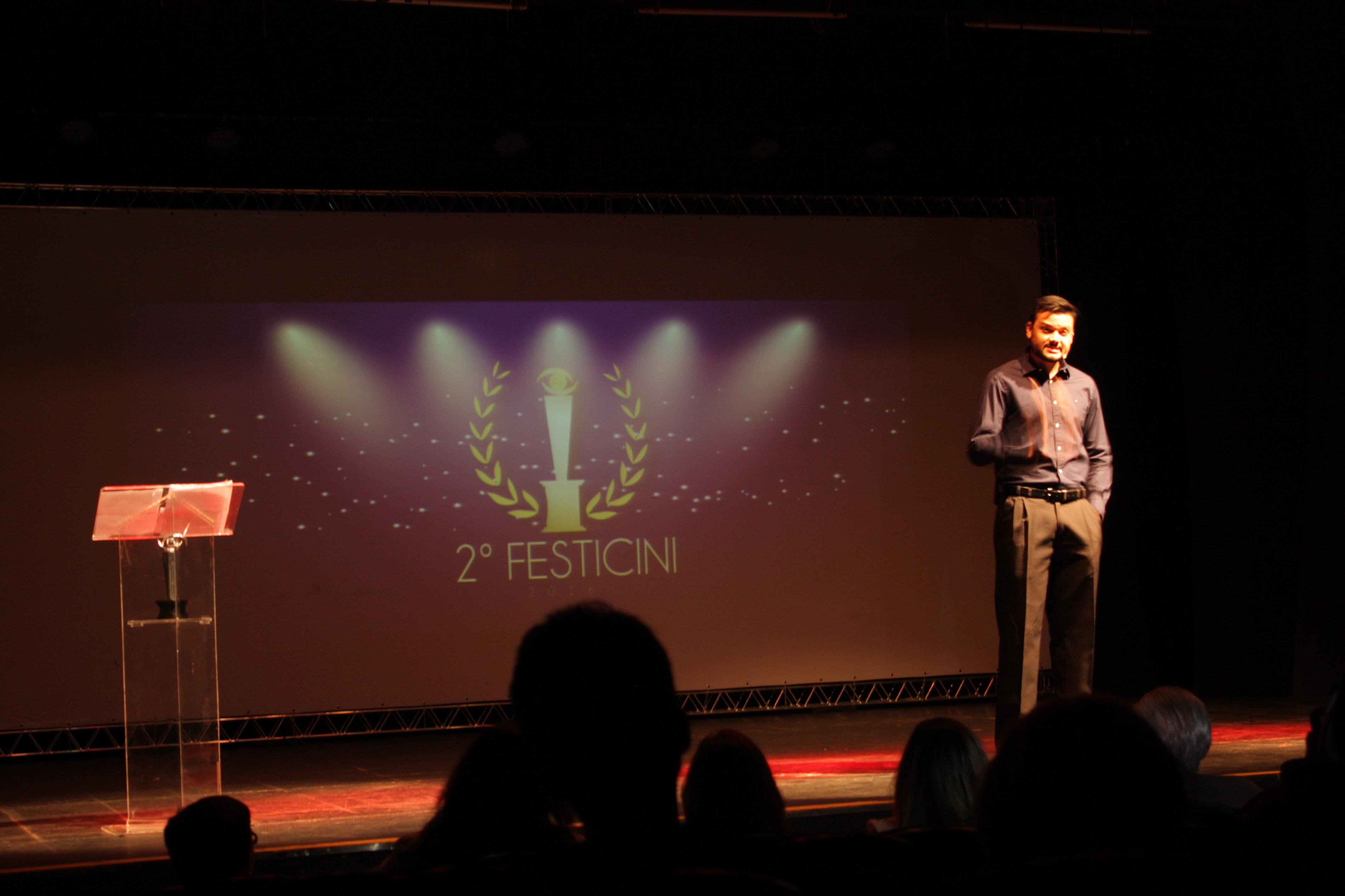 Alberto Vizoso comanda a Festa de Premiação